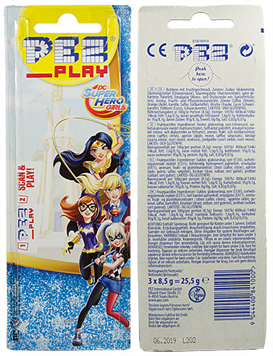 PEZ - Card MOC -Super Hero Girls - Wonder Woman - with play code - C