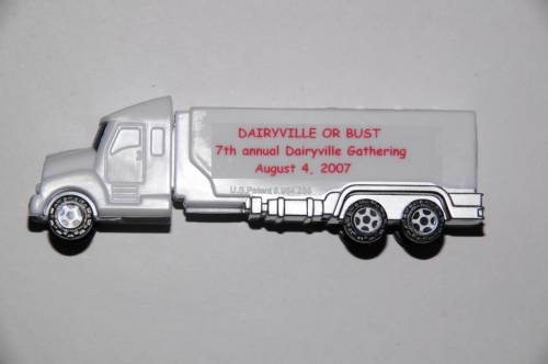 PEZ - Dairyville PEZ Gathering - 2007 - Truck with V-Grill - White truck, white stem